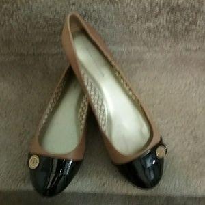 Nine West women's two tone flat shoe